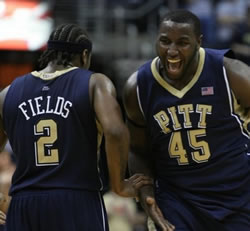 Road to march madness: DeJuan Blair et les Pittsburgh Panthers.