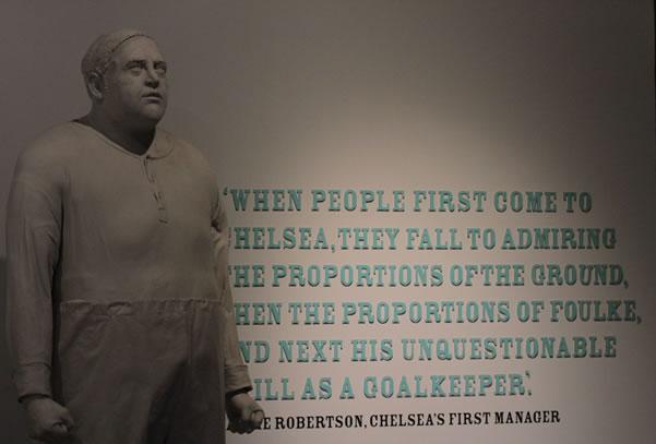 Statue en l'honneur de William Foulke, le premier gardien du club.
