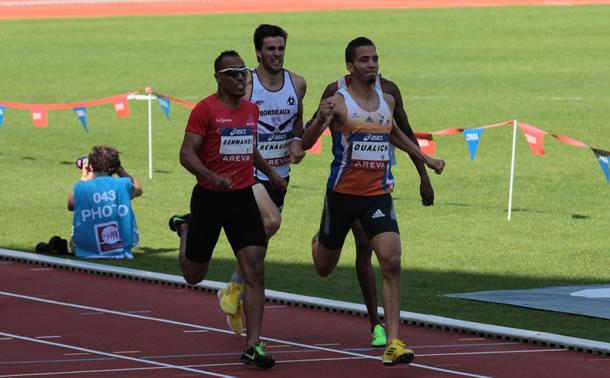 L'arrivée du 800m remporté par le montpellierain Hamid Oualich.