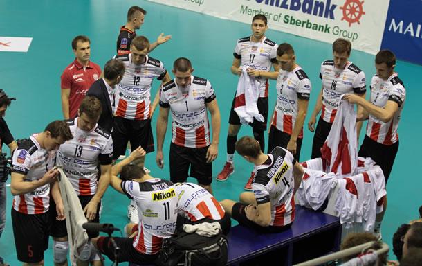 La formation de Resovia, tous les postes sont doublés dans l'équipe par des joueurs de haut niveau.