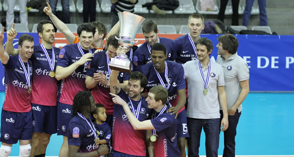 Paris Volley, vainqueur de la Coupe de la CEV 2014.