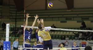 Dima Bahov à l'attaque.