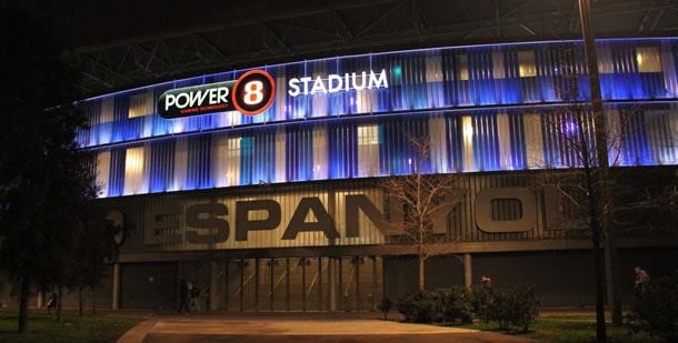 Le Power8 stadium du nom du sponsor de nommage.